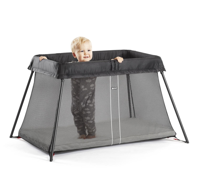 Bébé peut aussi jouer dans son lit parapluie